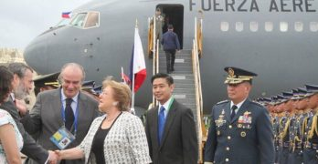 First APEC head of state arrives in Manila