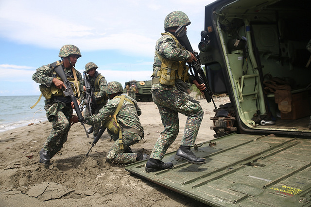 US Marines conduct an amphibious exercise with service members of the Philippine Marine Corps at Inagawan Beach in Palawan, June 7. US Navy photo