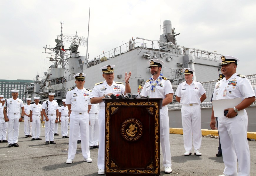 LOOK: New Zealand Warship In Philippines