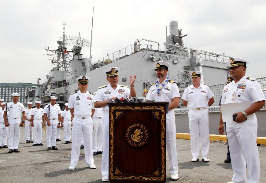 New Zeland Update: LOOK: New Zealand Warship In Philippines