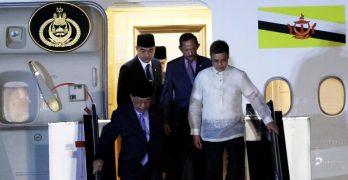 LOOK: Sultan of Brunei arrives in Philippines