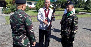 Scout Rangers receive Kalashnikov rifles