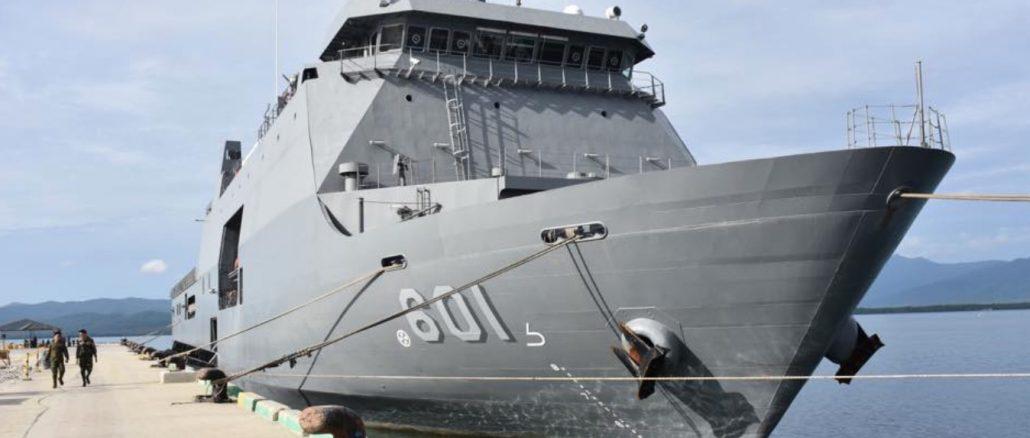 Navy's first landing dock vessel arrives in Palawan