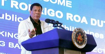 Duterte mulling purchase of weapons for brgy officials