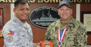 Ranking US naval official visits PH RIMPAC contingent